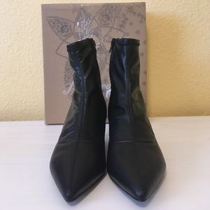 891c46fb5a0 Free People Shoes - Free People Marilyn Kitten Heel Pointed Boot